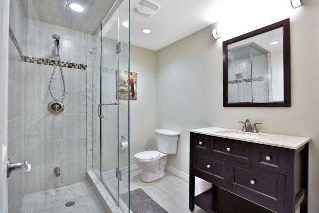 Glanbrook Binbrook 26 Switzer bathroom 3 2 1024x683 - Recently SOLD in Binbrook