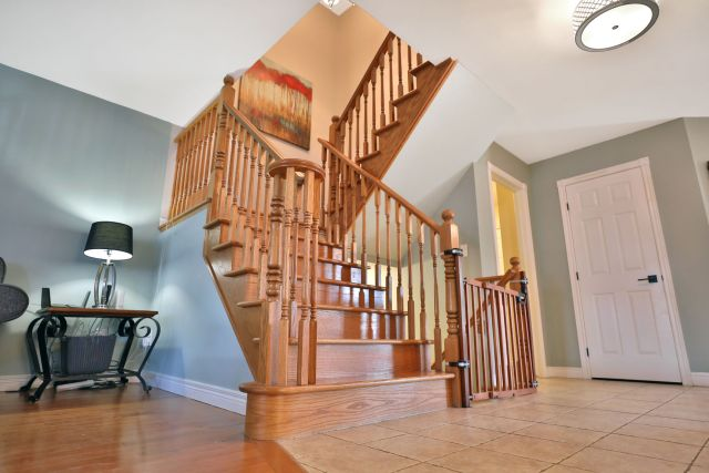 Glanbrook Binbrook 26 Switzer stairs 2 1024x683 - Recently SOLD in Binbrook