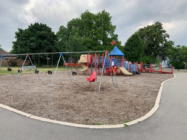 inch park playground 3 - Exploring Hamilton's Central Mountain ~ One Neighbourhood at a Time ~ The Inch Park Neighbourhood