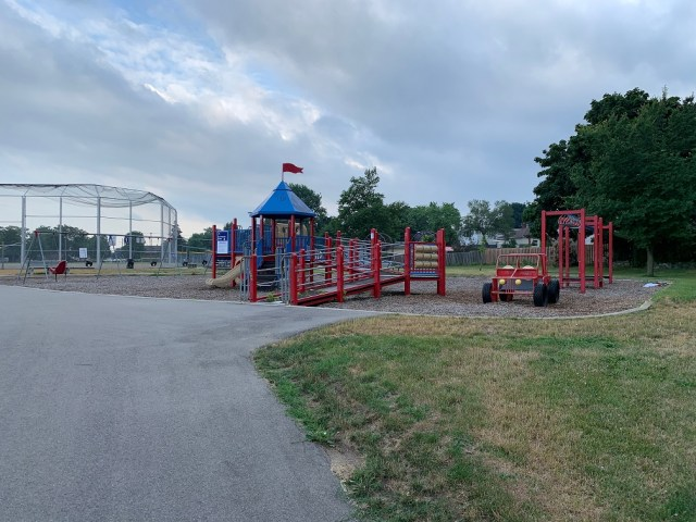 inch park playground 4 - Exploring Hamilton's Central Mountain ~ One Neighbourhood at a Time ~ The Inch Park Neighbourhood