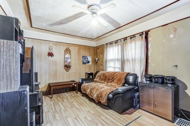 20 Primrose Hamilton Ontario bedroom - Recently SOLD in Crown Point, Hamilton