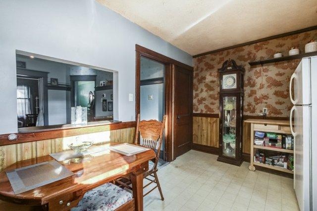 20 Primrose Hamilton Ontario kitchen3 - Recently SOLD in Crown Point, Hamilton