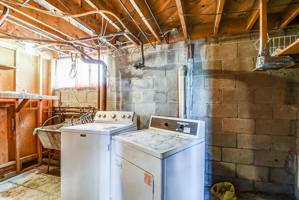 1372 Wren Oakville laundry 2 - Recently SOLD in Oakville