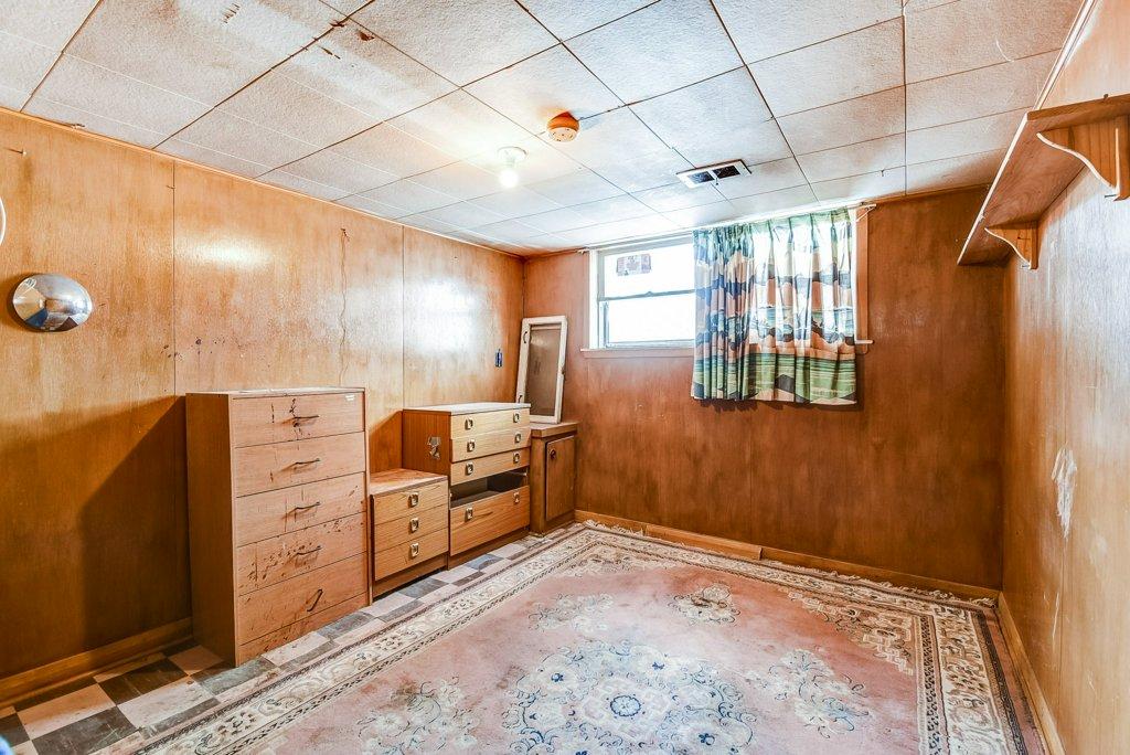 1372 Wren Oakville lower bedroom 2 - Recently SOLD in Oakville