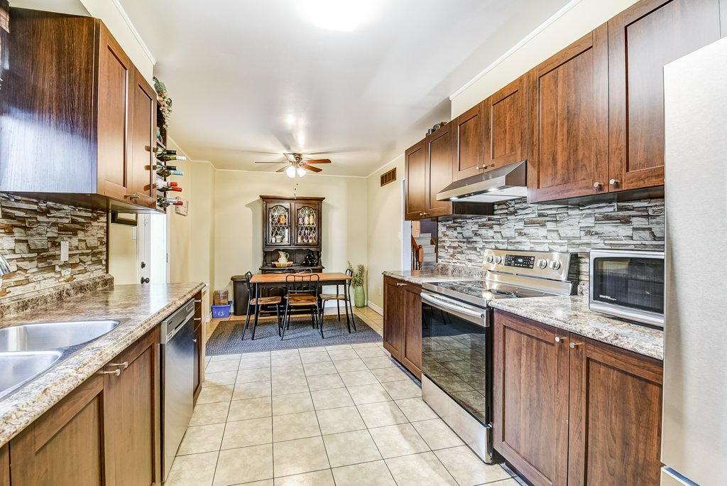 106 Garden kitchen2 4 - Recently SOLD on the Central Hamilton Mountain