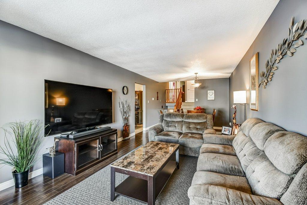 106 Garden livingroom 3 - Recently SOLD on the Central Hamilton Mountain