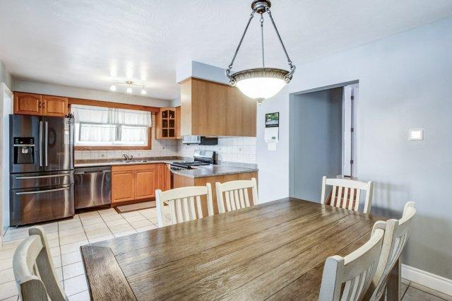 772 Limeridge E Hamilton dining kitchen 1 - Recently SOLD - Central Hamilton Mountain