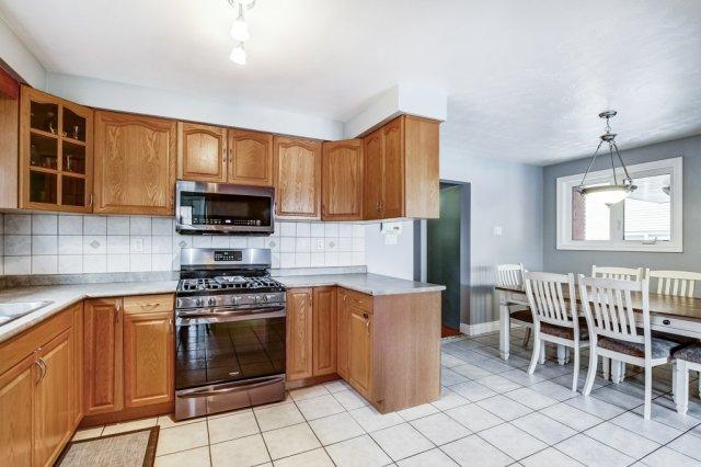 772 Limeridge E Hamilton kitchen dining 3 - Recently SOLD - Central Hamilton Mountain