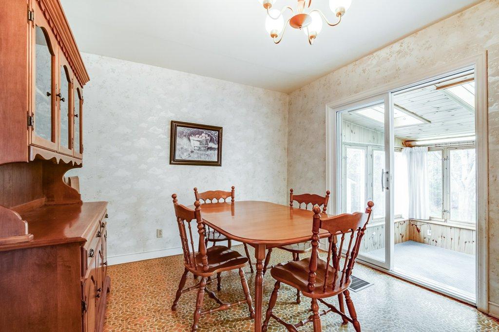 013 136 Auburn Hamilton dining room1 - Recently SOLD - East Hamilton