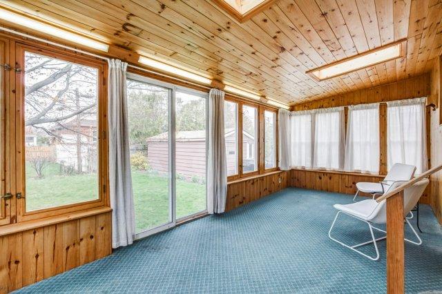 019 136 Auburn Hamilton sunroom1 - Recently SOLD - East Hamilton