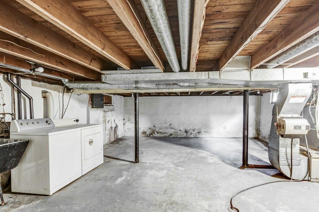 027 546 Quebec Hamilton basement5 - 546 Quebec St, Hamilton