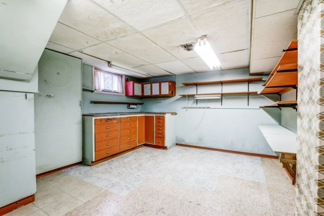 029 136 Auburn Hamilton basement3 - Recently SOLD - East Hamilton