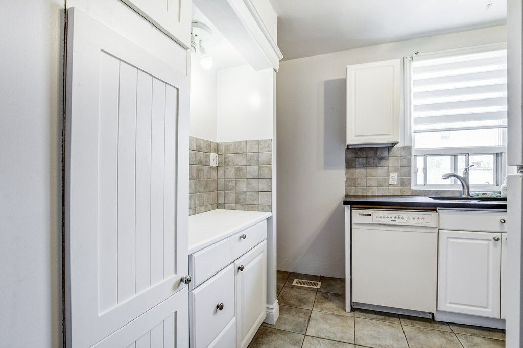 019 34 Dalhouse Hamilton kitchen2 3 - Recently SOLD in Hamilton's Crown Point North Neighbourhood