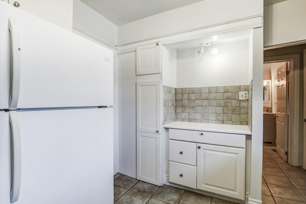 022 34 Dalhouse Hamilton kitchen5 3 - Recently SOLD in Hamilton's Crown Point North Neighbourhood