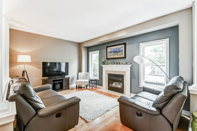 012 151 Joshua Ancaster livingroom - Recently SOLD in Ancaster