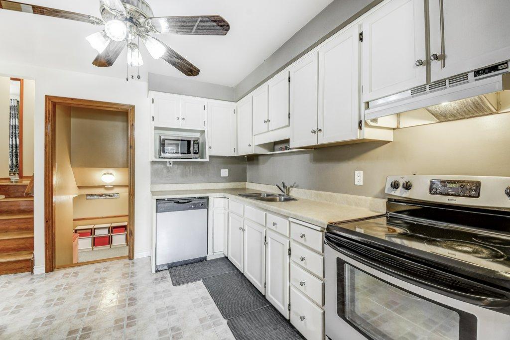 017 164 Bonaventure Hamilton kitchen2 - Recently SOLD ~ West Hamilton Mountain