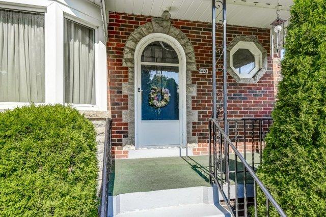 008 220 Glencarry Hamilton porch - Recently SOLD ~ East Hamilton
