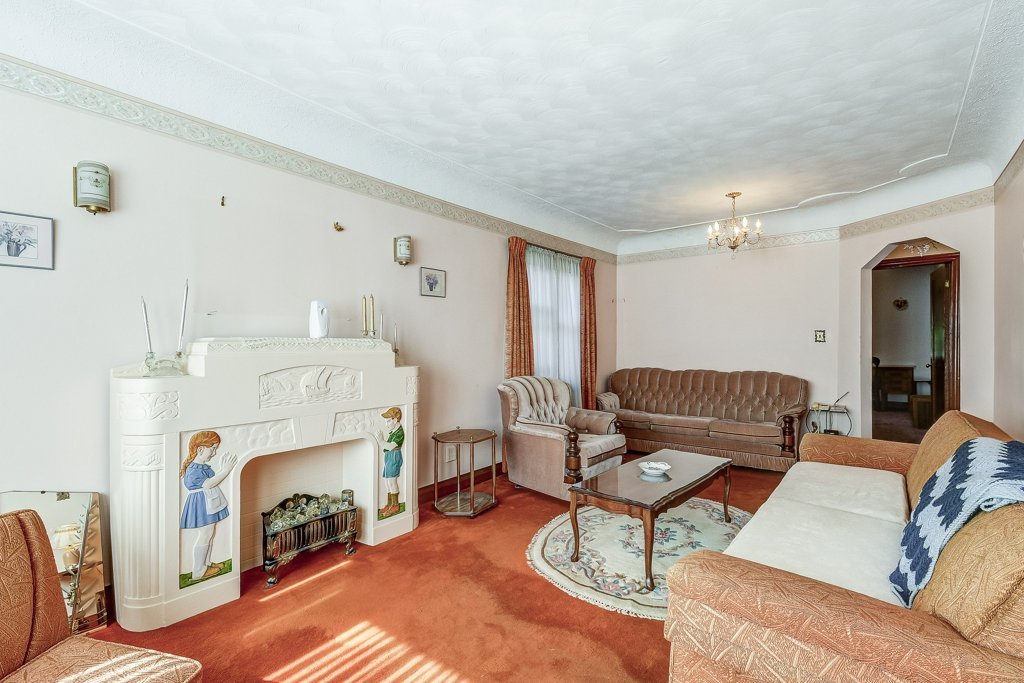 012 220 Glencarry Hamilton living room3 - Recently SOLD ~ East Hamilton