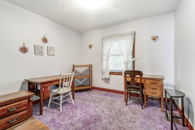 019 220 Glencarry Hamilton bedroom office - Recently SOLD ~ East Hamilton