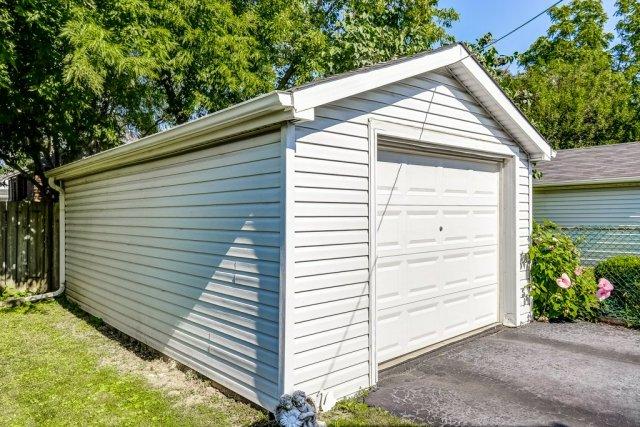 033 220 Glencarry Hamilton garage - Recently SOLD ~ East Hamilton