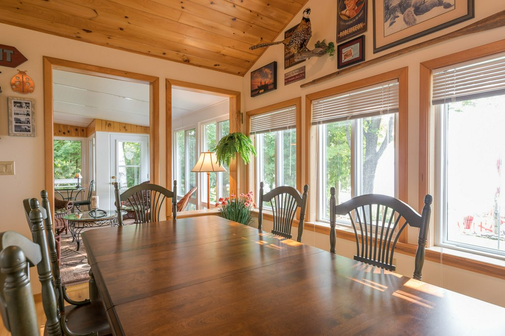049 26 fire rte 103 bobcaygeon ON dining room2 - WATERFRONT ~ 4 SEASON COTTAGE FOR SALE ON PIGEON LAKE