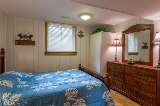 061 26 fire rte 103 bobcaygeon ON bedroom3 - WATERFRONT ~ 4 SEASON COTTAGE FOR SALE ON PIGEON LAKE