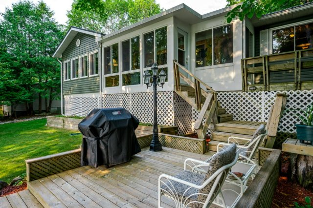 067 26 fire rte 103 bobcaygeon ON deck - WATERFRONT ~ 4 SEASON COTTAGE FOR SALE ON PIGEON LAKE