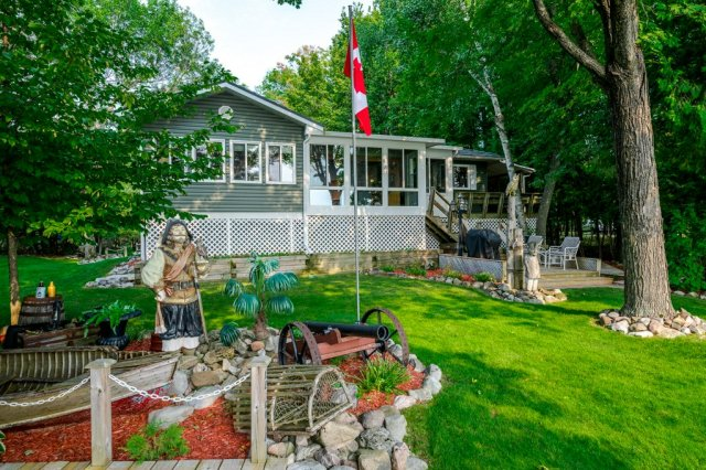 086 26 fire rte 103 bobcaygeon ON gardens - WATERFRONT ~ 4 SEASON COTTAGE FOR SALE ON PIGEON LAKE