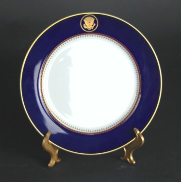 White House everyday dining plate