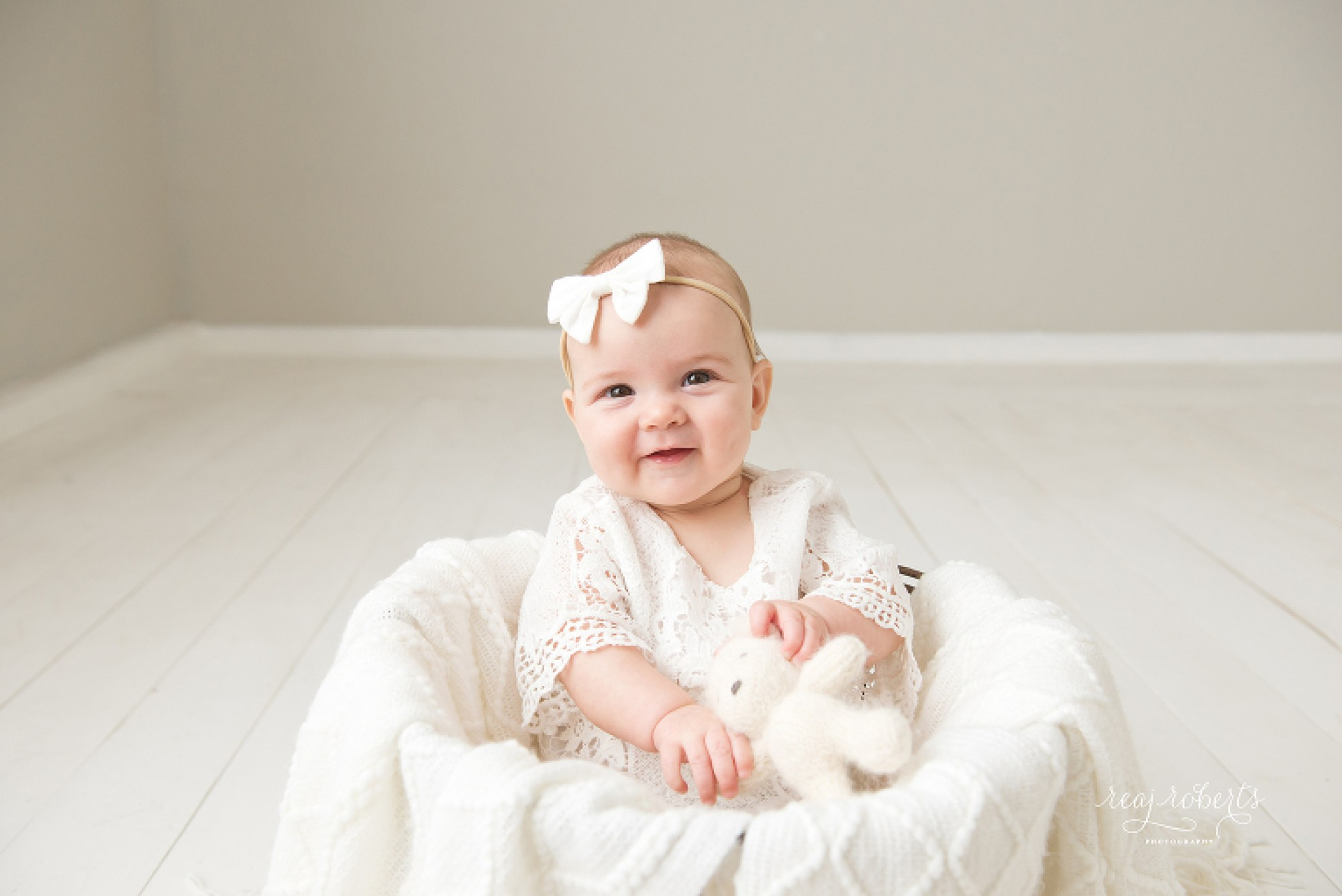 Daphne's Sitter Session | Chandler Baby Photographer - Reaj