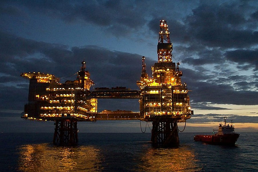 Royal Dutch Shell Endorses Shareholder Resolution on Climate Change