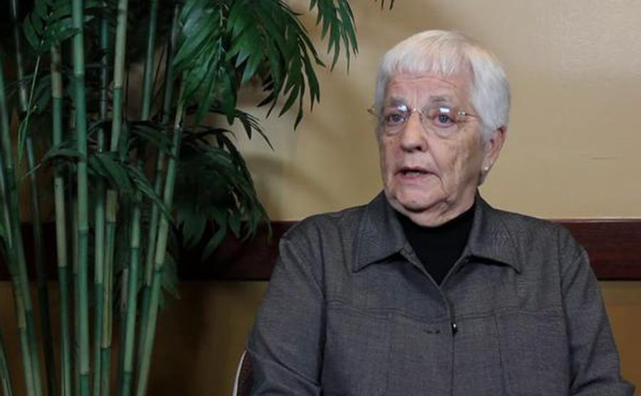 Jane Elliot, Schoolteacher