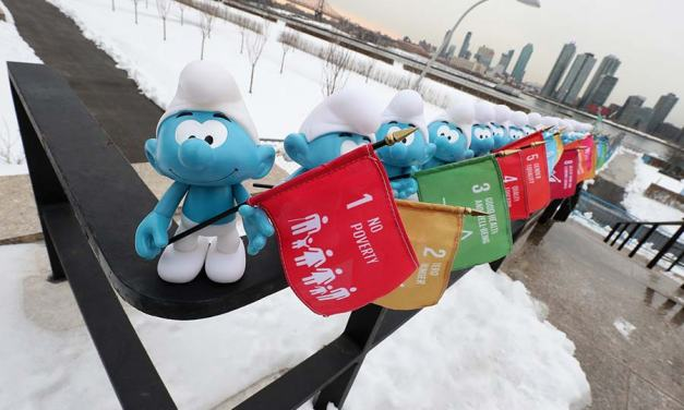 The Smurfs Occupy UN on International Day Of Happiness