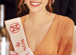 Emily 黃瑋琦 Miss World Top 40