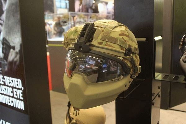 6_revision_from_canada_offers_new_technology_of_ultra-lightweight_helmet_with_its_cobra_plus_helmet_milipol_2015