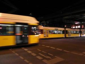 Berlin - Straßenbahn - Eberswalder Straße und Umfeld. Foto von IngolfBLN, CC-BY-SA-2.0, http://creativecommons.org/licenses/by-sa/2.0 via Wikimedia Commons