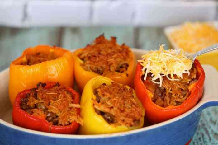 Healthy stuffed peppers recipe with cheese for an easy dinner recipe for the family.