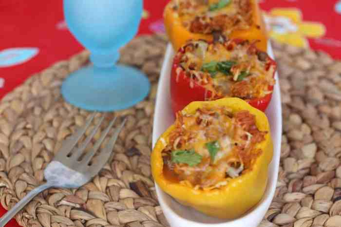 Easy and healthy stuffed peppers recipe. Perfect for summer picnics.