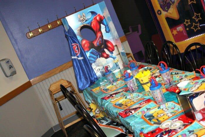 minion birthday party set up