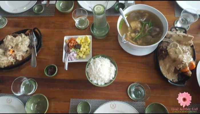 Table setting in the Philippines