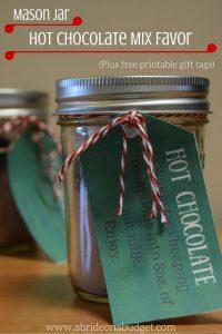 mason-jar-hot-chocolate-mix-favors