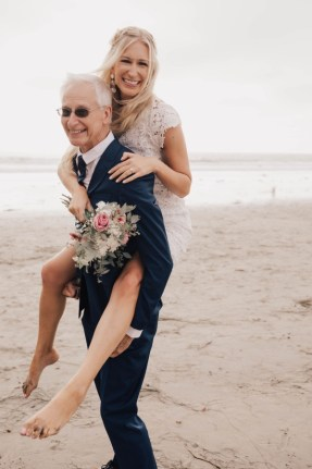 Darcie and John wedding photo at beach in San Diego