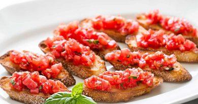 Cel mai bun aperitiv! Bruschete cu roșii, usturoi și busuioc. Rețeta simplă care poate fi făcută în 10 minute