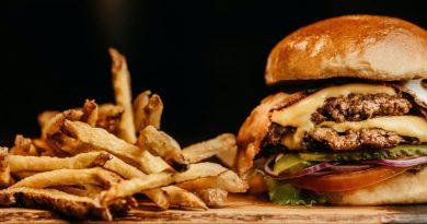 Top 5 alimente ce provoacă obezitatea. Trebuie sa le scoți urgent din alimentația ta.
