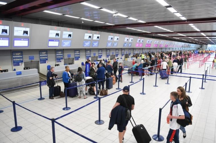 Veste grea pentru românii care vor să plece în Marea Britanie! Cum vom putea călători începând cu anul 2021?