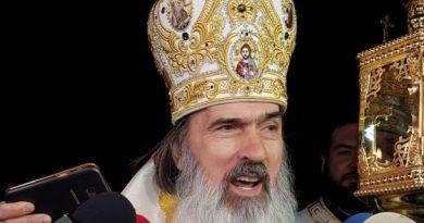 """Arhiepiscopul Tomisului vine cu un mesaj strigător la cer în ajun de Crăciun. """"Sub pretextul izbăvirii de boală, bisericile sunt închise, creştinii sunt intimidaţi, batjocoriţi și hărţuiţi"""""""