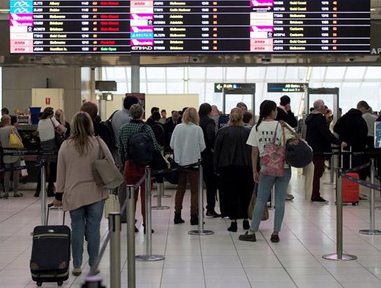 Prima consecință post-Brexit. Zeci de cetățeni britanici întorși acasă după ce au încercat să intre în țările UE