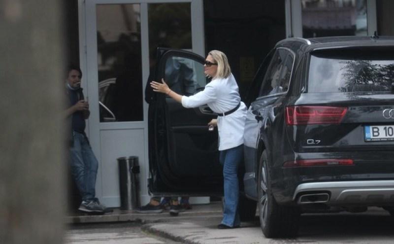 Cum arată mașina deținută de Mirela Vaida? Prezentatoarea a primit un cadou extraordinar de la soțul ei