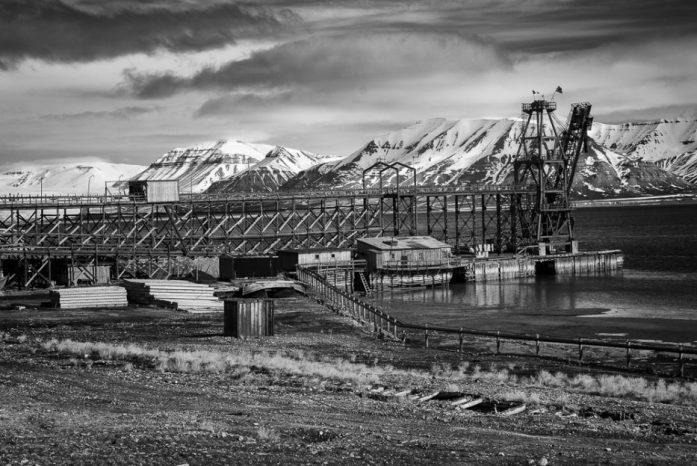 Opuštěné ruské město Pyramiden na Špicberkách