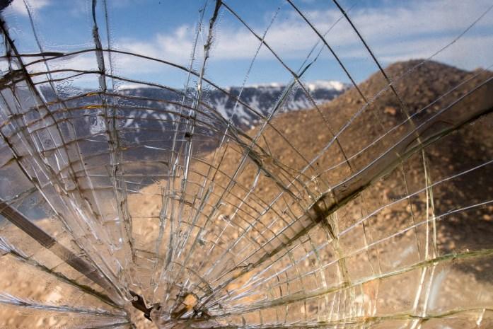 ISLAND pojištění při půjčení auta nekryje poškození předního skla nebo podvozku